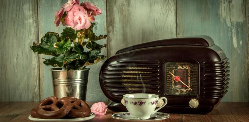 Anii '60-'70, imortalizati in vasele din care iti bei ceaiul