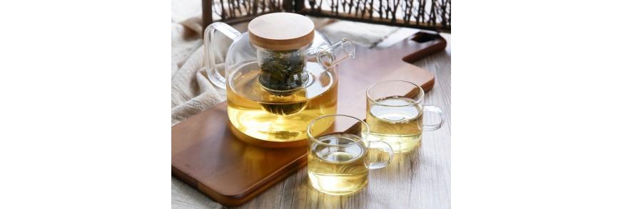 Ceainic de sticla si cupe cu ceai