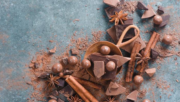 De ce mancam ciocolata?