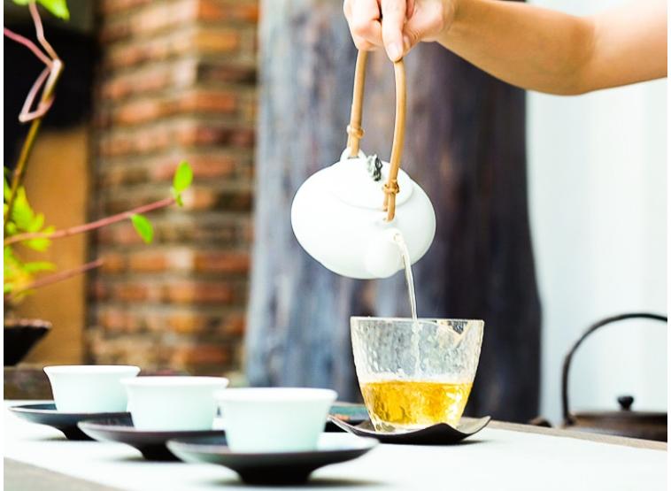 """Cum sa practici """"Mindfulness"""" cu ajutorul Ceaiului"""