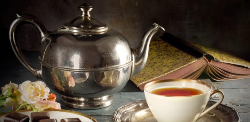 In ce recipiente serviti ceaiul si cum pregatiti bautura?