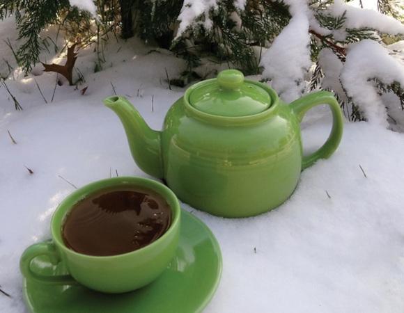 Ceainic cu frunza uscata si patura