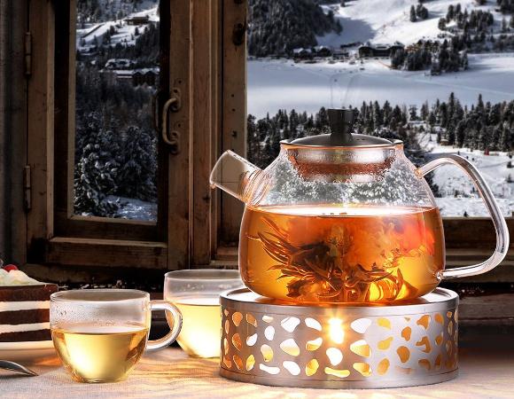 Ceainic de sticla cu ceai
